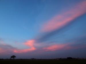 クリックすると拡大できます→◎長太の空に出現したオーロラ