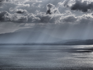 クリックすると拡大できます→◎琵琶湖北岸の曇り景色
